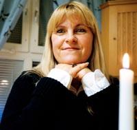 """DET ÄR FANTASTISKT"""" Christina Åberg var tvungen att sjukskriva sig på grund av sin ledgångsreumatism. Om hon suttit länge på möten, fick hon krypa ut ur ... - reumatism"""
