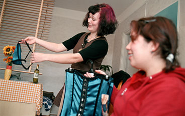 kvinnor i stringtrosor