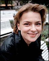 Svenska Marie Richardson spelar mot Tom Cruise i Stanley Kubricks nya storfilm. Richardson ersätter storstjärnan Jennifer Jason Leigh. - marie