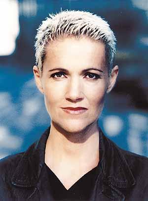 MARIE FREDRIKSSON: I en tid som vår (EMI) Jodå, Marie Fredrikssons återkomst som soloartist är stundtals rätt vemodig, deppig och höstlik. - fredriksson