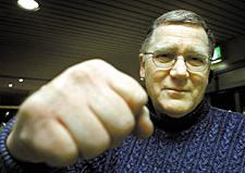 Namn: Börje Andersson. Ålder: 64 år. Bor: I Sollentuna. Familj: Skild. Har fem barn – Lena, Fredrik, Susanne, Markus och Svante. Yrke: Bilhandlare (beg bil) ... - bojje